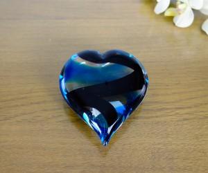 Blau schwarzes Glasherz