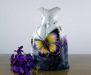 Schmetterling Dekor auf Keramikvase