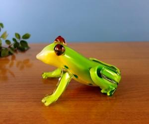 Glastier grüner Frosch