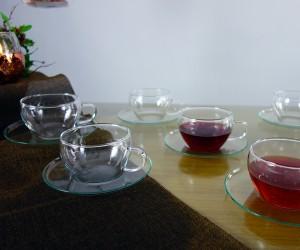 Teeset im Unterteller