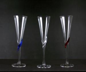 Sektglas mit farbigen Blatt