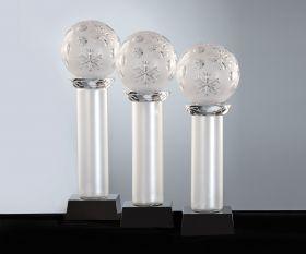 Pokal mit Schneekristall Kugel