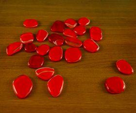 Rote Glasplättchen