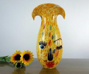 Vase aus Glas mit Gesicht