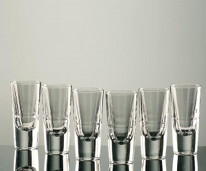 Ramazzottiglas aus Kristall