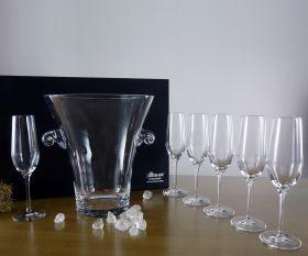 Sektkühler und Sektgläser aus Kristallglas im Geschenkkarton