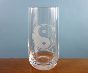 Ying Yang Trinkglas