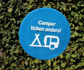 Camper ticken anders Fusingschild