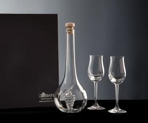 Likörkaraffe mit Pflaumenmotiv und zwei Grappa Gläsern
