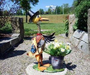 Ente mit Pflanztopf