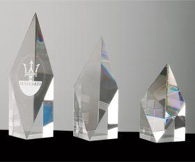Kristallpokal mit Flächenschliff