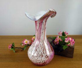 Große Vase mit Wellenrand Rosenblatt