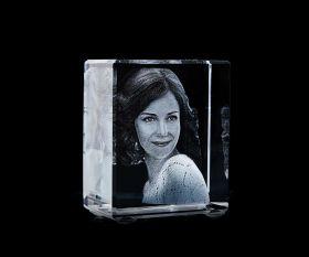 3D-Lasergravur Glasfoto im Würfel