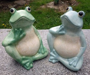 Großer Keramikfrosch