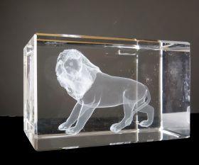Löwe im Laserquader
