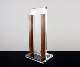 Flachglaspokal mit Holzstäben