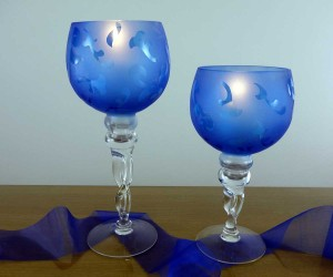 Blau satinierter Leuchter